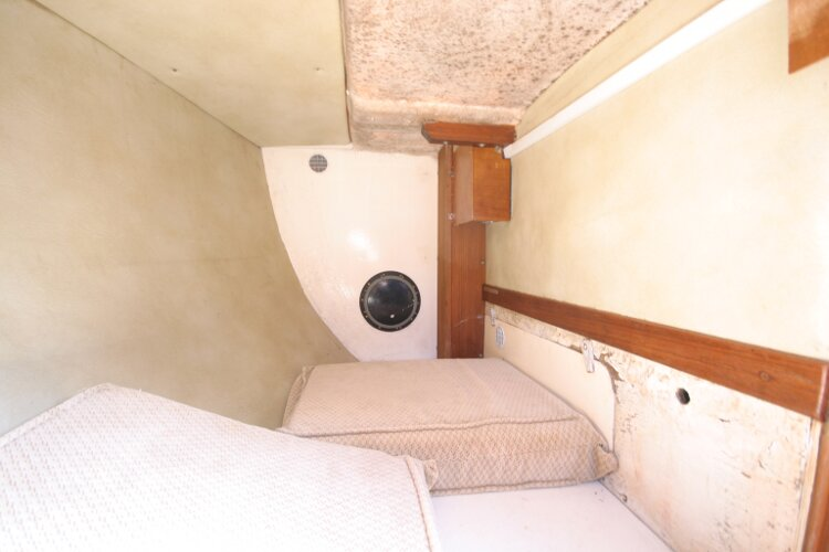 Colvic UFO 27for sale Quarter Berth Detail -